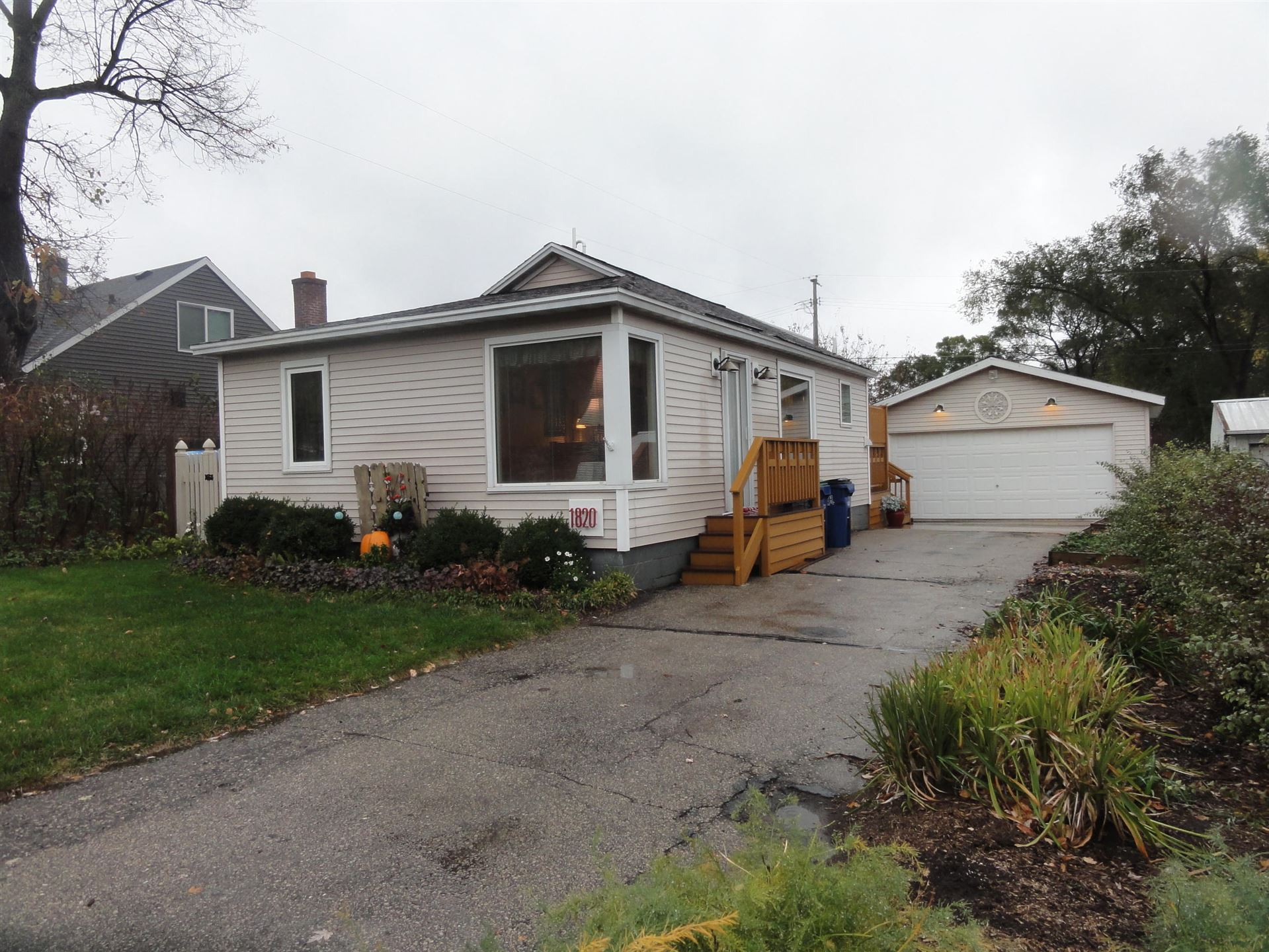 1820 Bainbridge ST, Campbell, WI 54603 - MLS#: 1715911