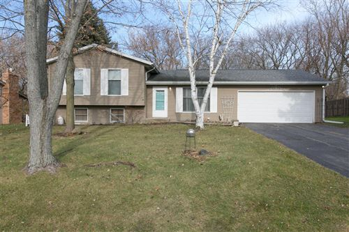 Photo of 3520 River Bend Dr, Caledonia, WI 53404 (MLS # 1677915)