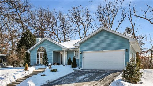 Photo of 425 Hillcrest Dr., Fontana, WI 53125 (MLS # 1677916)