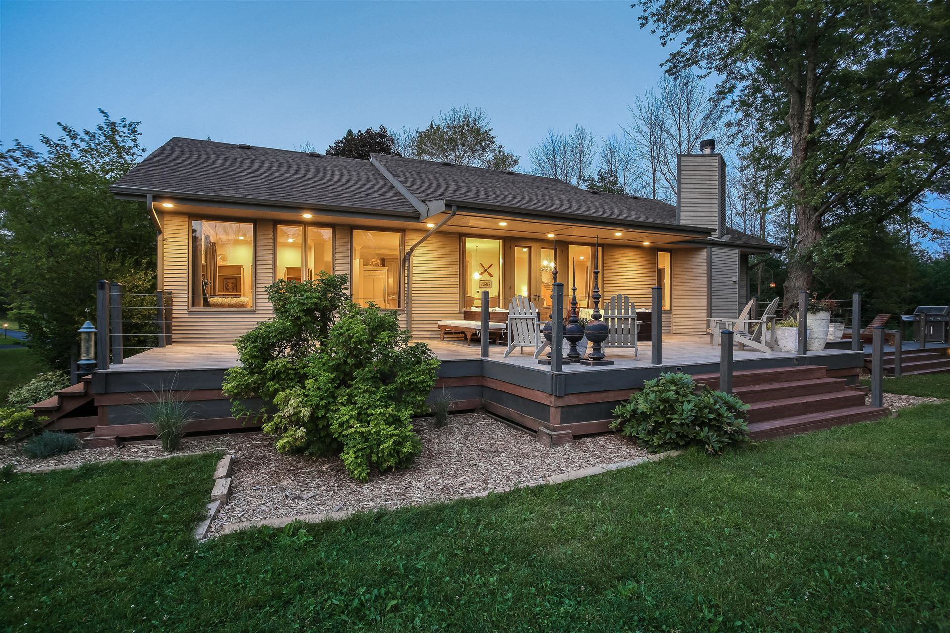 1465 W County Line Rd, River Hills, WI 53217 - #: 1723918