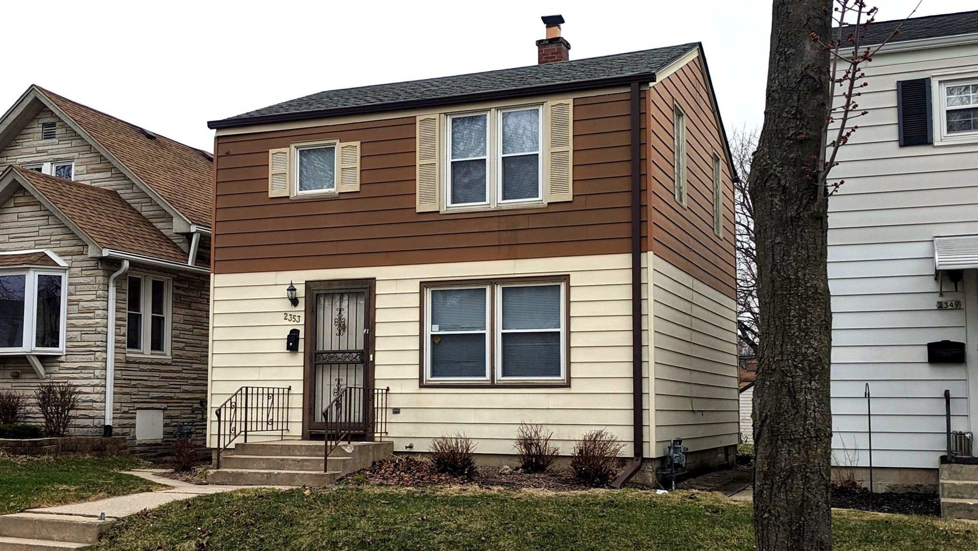 2353 S 77th St, West Allis, WI 53219 - #: 1683920