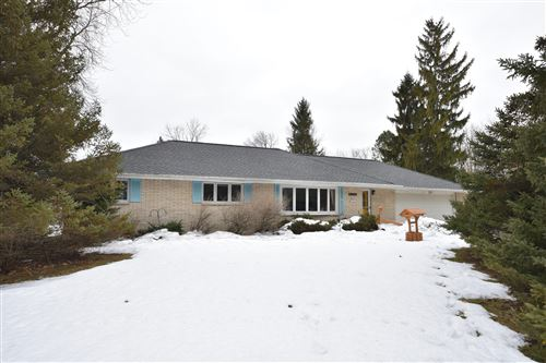 Photo of N68W15281 Prudence Dr, Menomonee Falls, WI 53051 (MLS # 1675923)