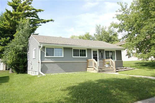 Photo of 4818 W Van Beck Ave, Milwaukee, WI 53220 (MLS # 1699924)