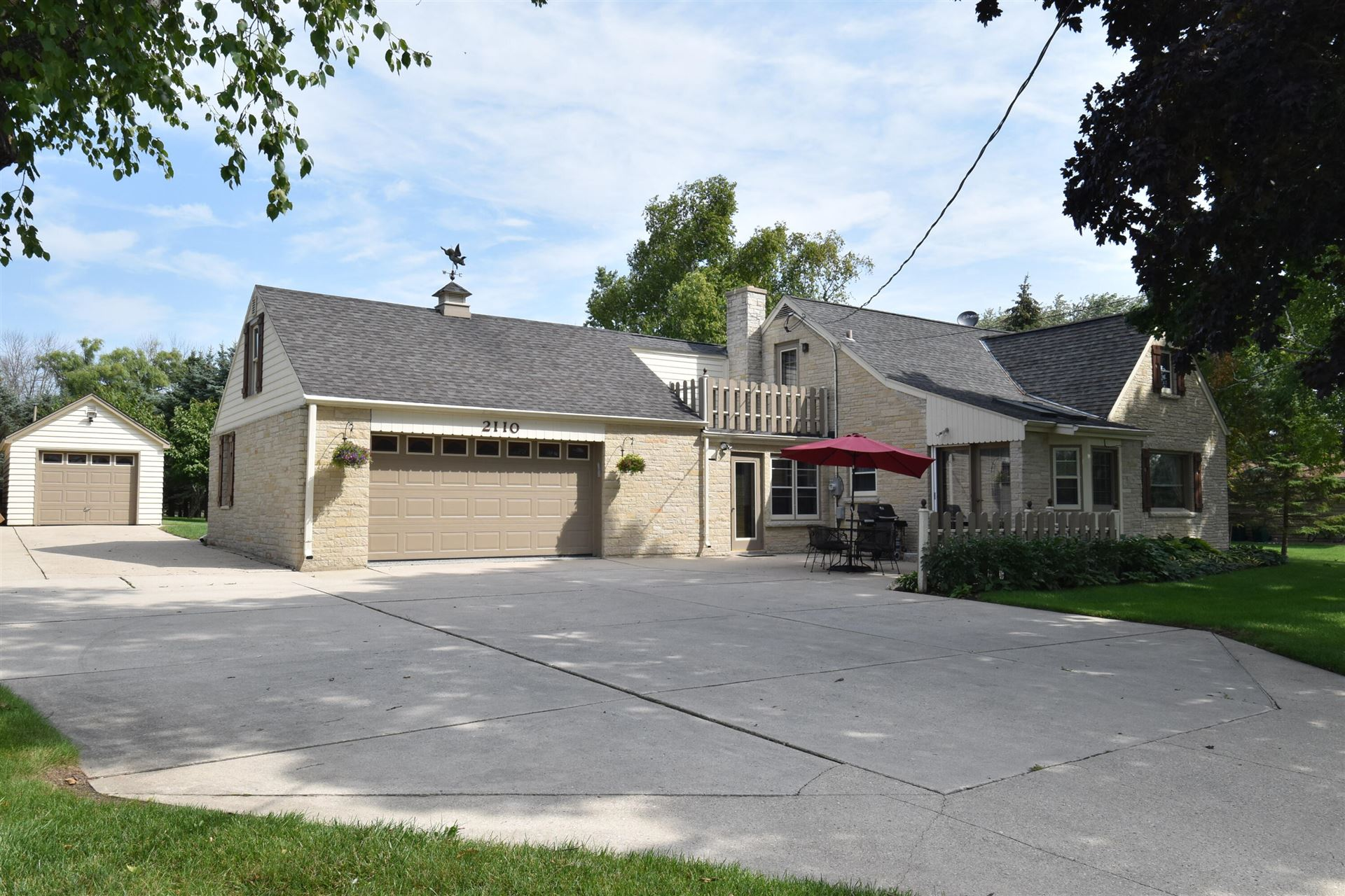 2110 W Highland Rd, Mequon, WI 53092 - #: 1759925