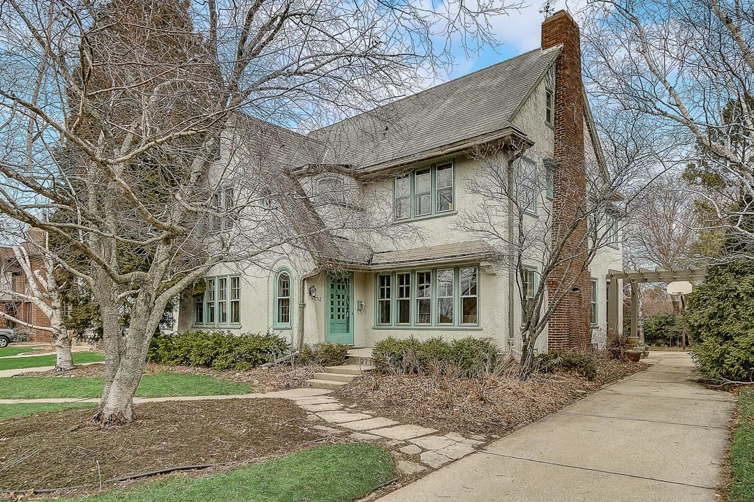 2712 E Beverly Rd, Shorewood, WI 53211 - #: 1673929