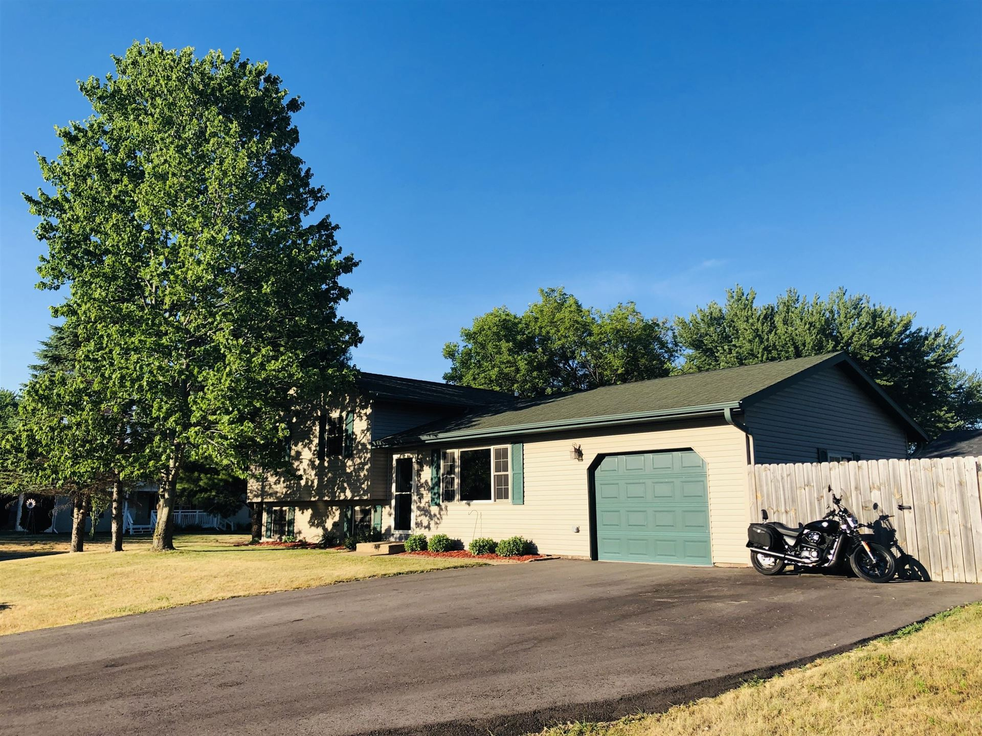 503 Eagle Ave, Rockland, WI 54653 - MLS#: 1746931