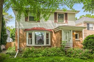 Photo of 850 E Silver Spring Dr, Whitefish Bay, WI 53217 (MLS # 1647933)