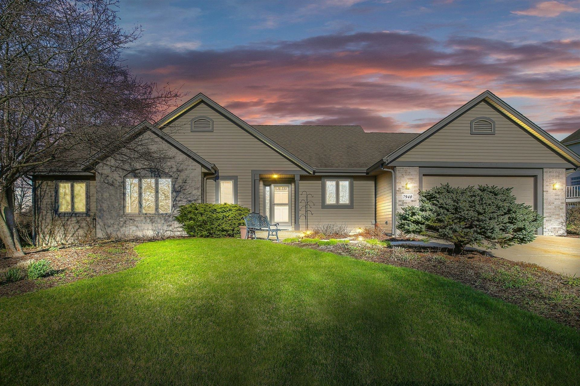 7940 S Forest Meadows Dr, Franklin, WI 53132 - #: 1684935