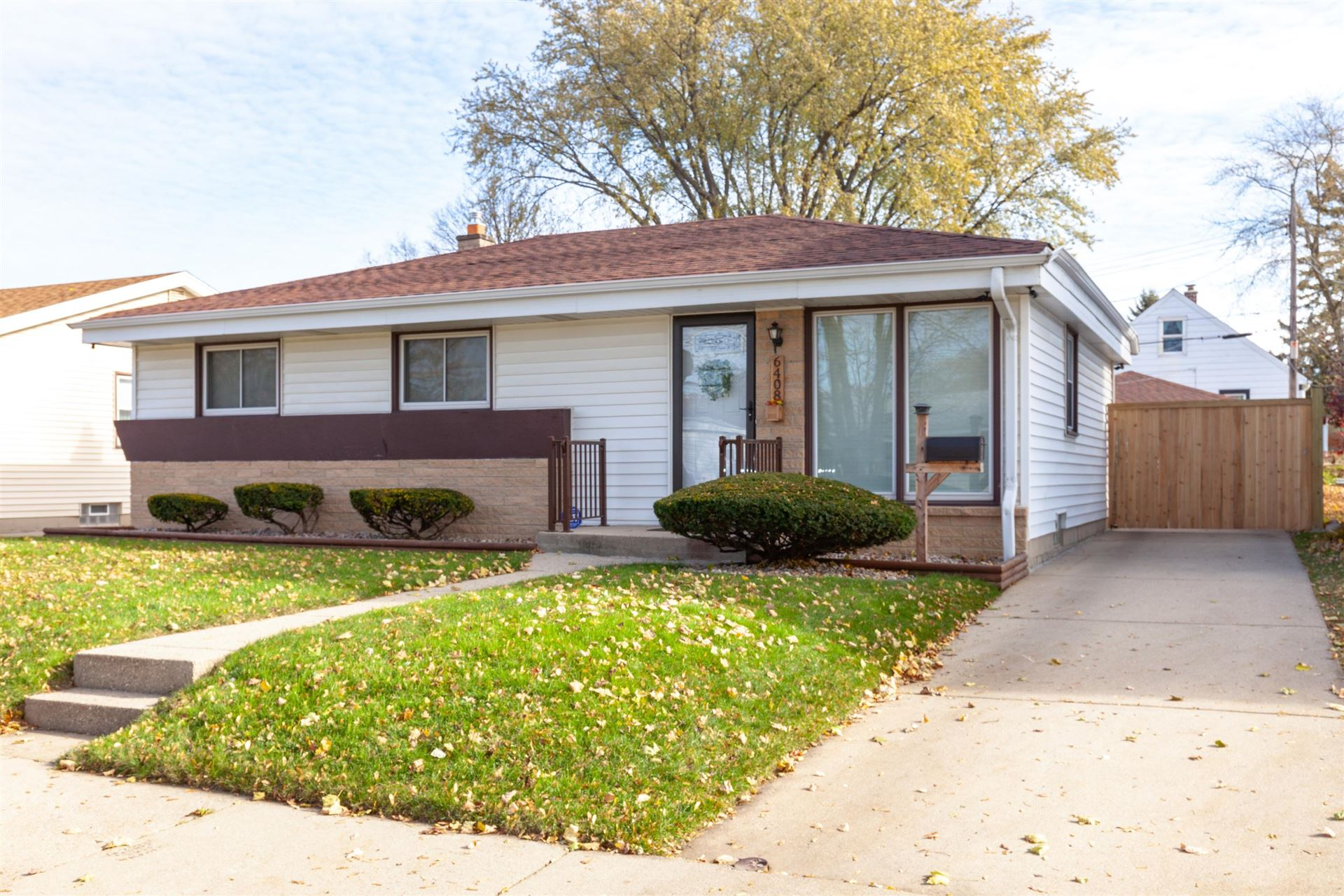6408 N 49th St, Milwaukee, WI 53223 - #: 1719936