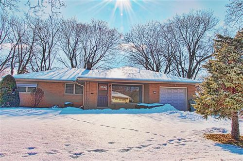 Photo of 5535 W Andover Rd, Milwaukee, WI 53219 (MLS # 1677943)