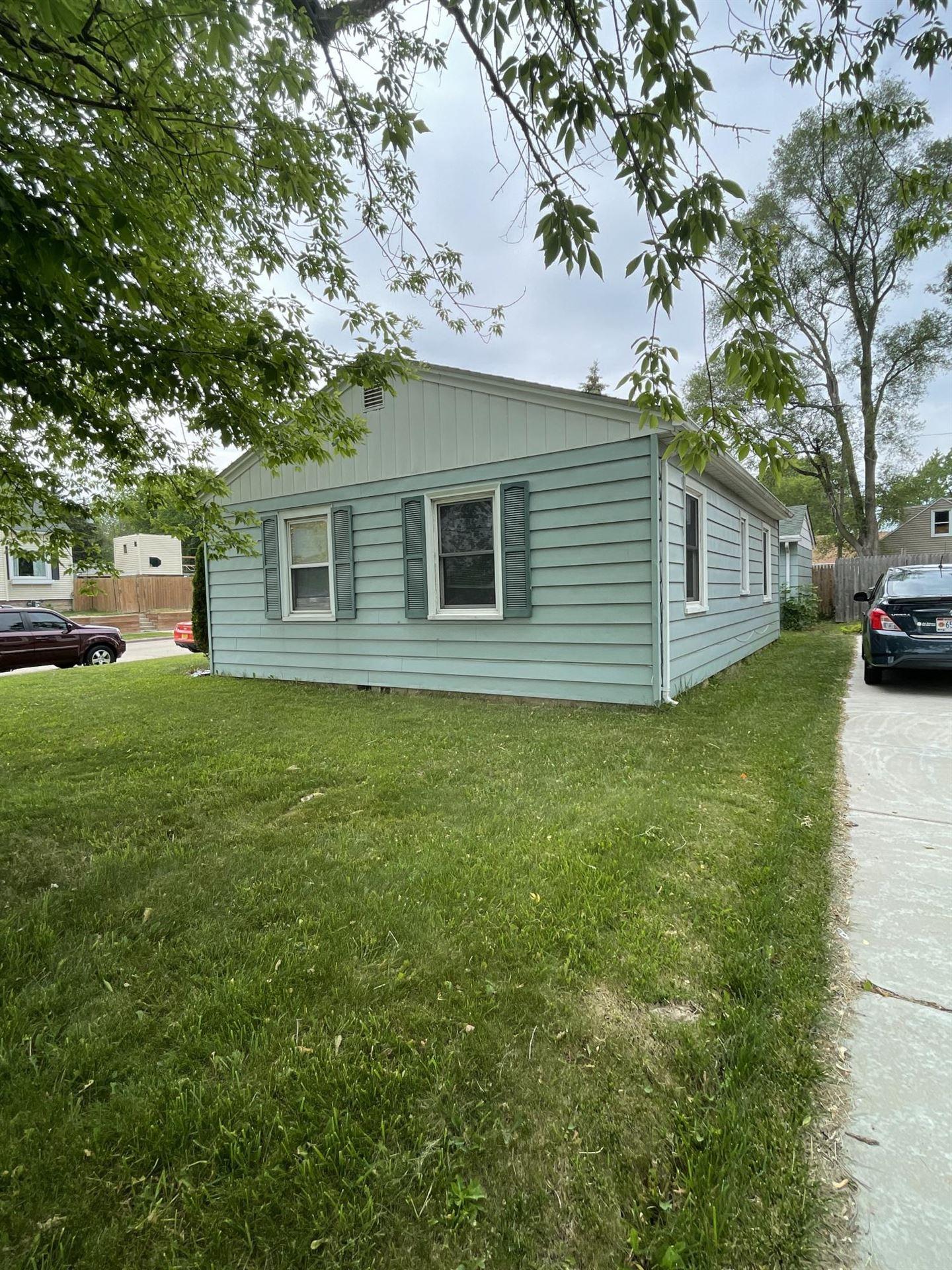 4224 21st St, Racine, WI 53405 - #: 1750944
