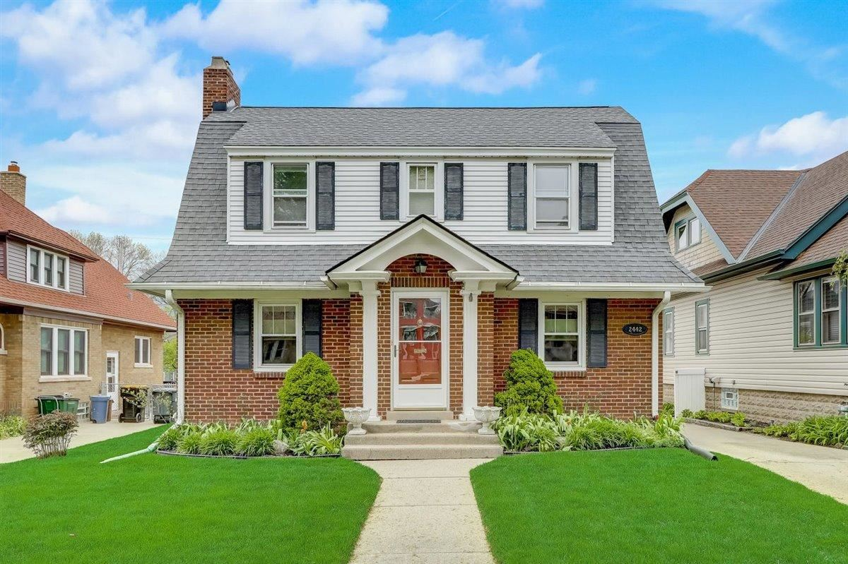 2442 Lefeber Ave, Wauwatosa, WI 53213 - MLS#: 1738954