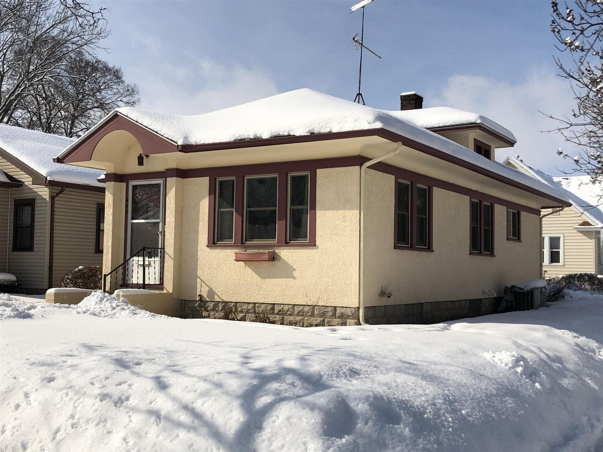 402 22nd St S, La Crosse, WI 54601 - MLS#: 1727958