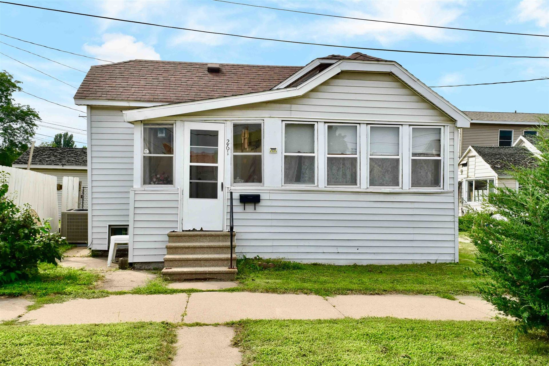 261 High Forest St, Winona, MN 55987 - MLS#: 1753960
