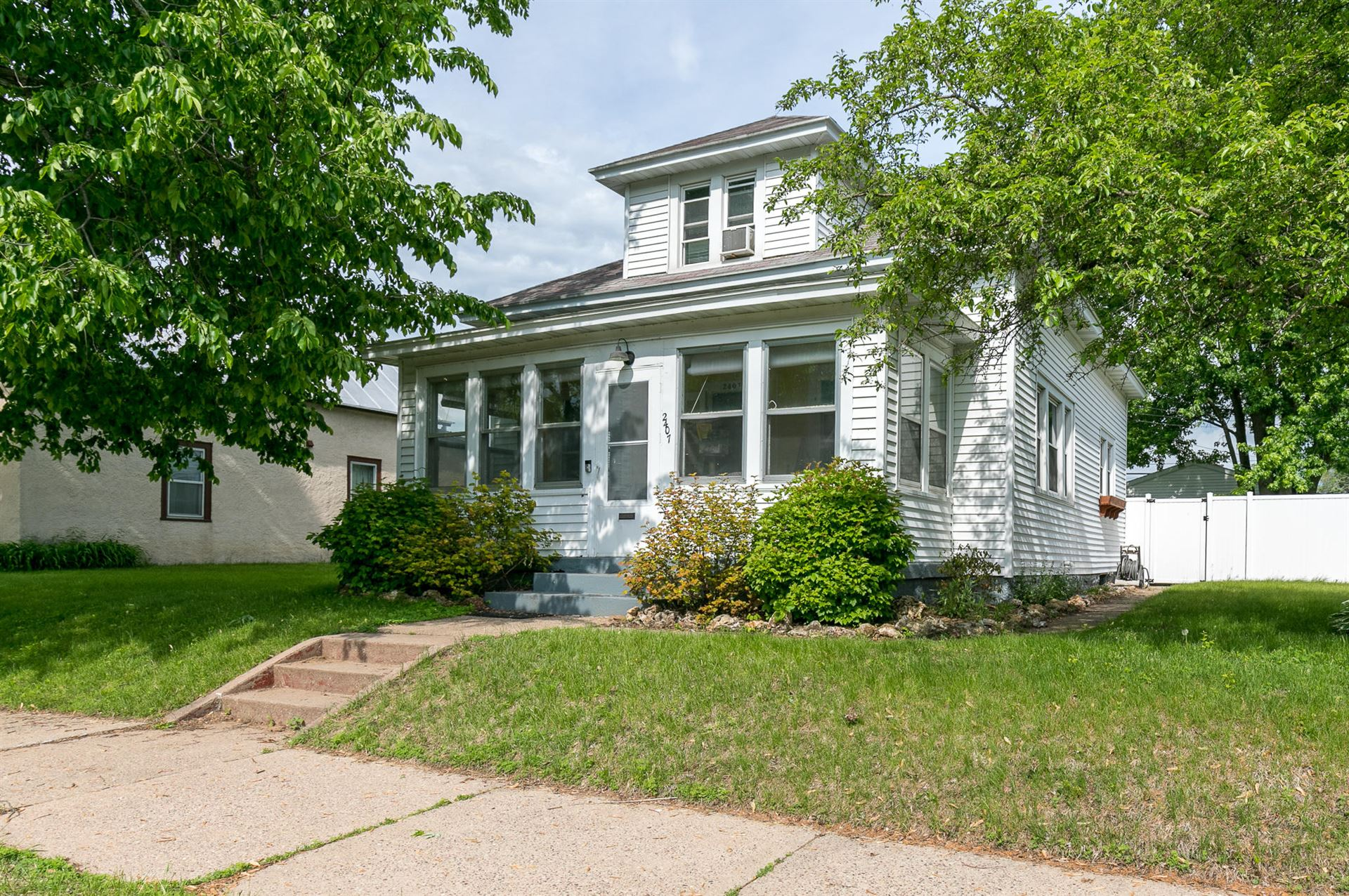 2407 13th Pl S, La Crosse, WI 54601 - MLS#: 1690962