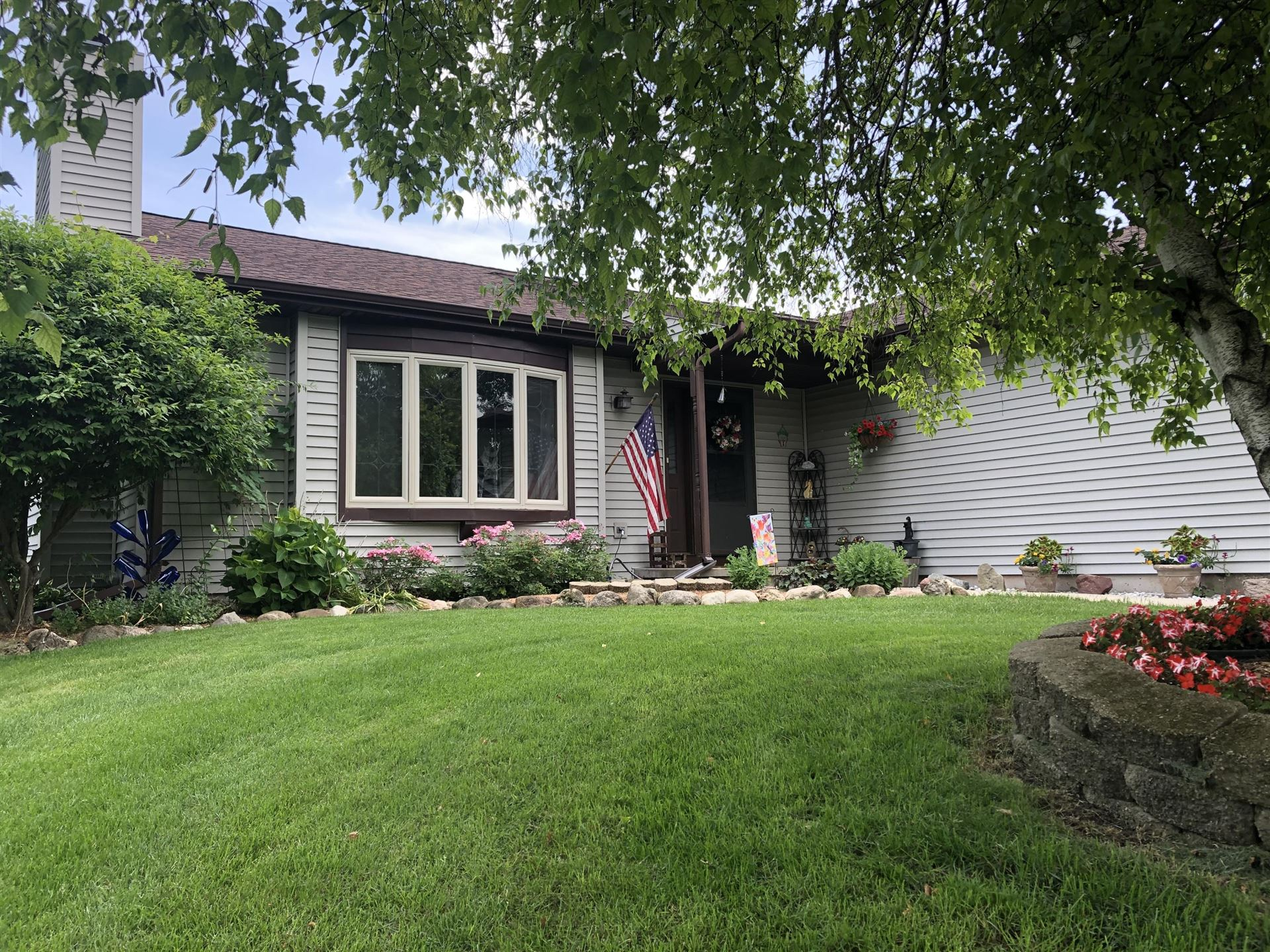 1013 Sycamore Tree Dr, Fond du Lac, WI 54935 - #: 1696964