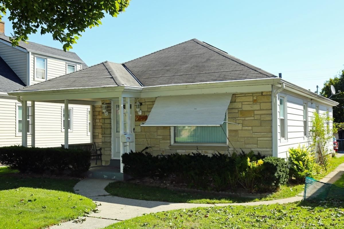 2950 S 39th St, Milwaukee, WI 53215 - #: 1708964