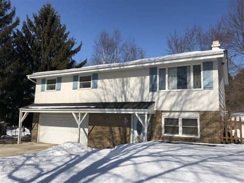 Photo of 1626 Jefferson St, West Bend, WI 53090 (MLS # 1677966)
