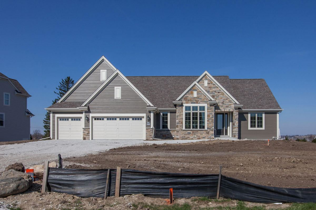 W239N3751 River Birch Ct, Pewaukee, WI 53072 - #: 1686969