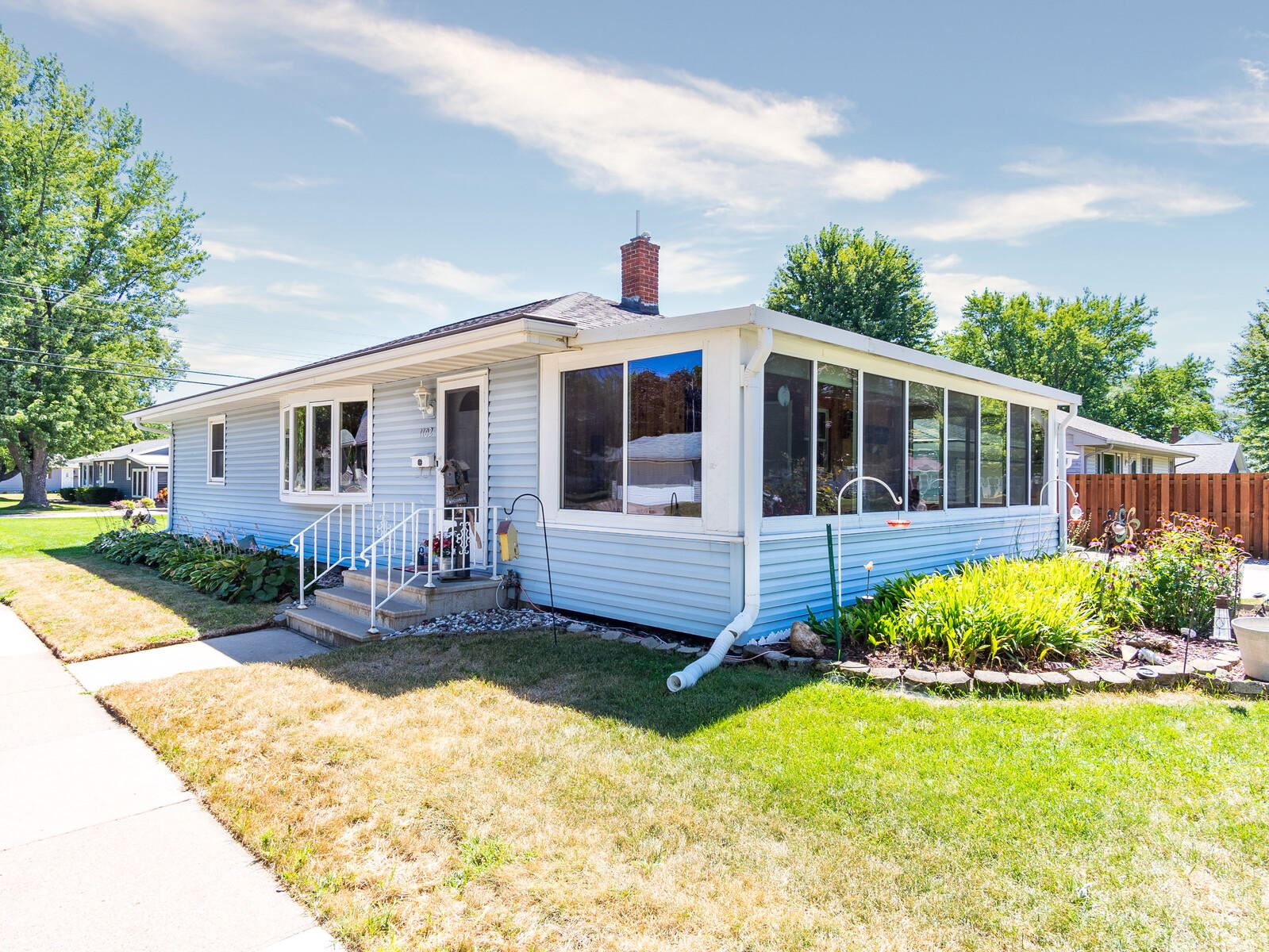 1102 Lake ST, Onalaska, WI 54650 - MLS#: 1703972