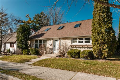 Photo of 2930 E Rhode Island Ave, Milwaukee, WI 53207 (MLS # 1719980)