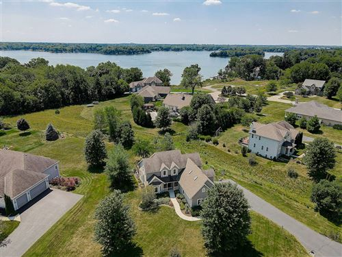 Photo of N66W34385 Timberline Rd, Oconomowoc, WI 53066 (MLS # 1703986)