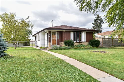 Photo of 411 Marion Ave, South Milwaukee, WI 53172 (MLS # 1762990)
