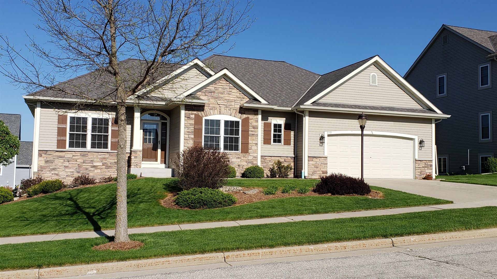 1715 Rockridge Way, Waukesha, WI 53188 - #: 1690994