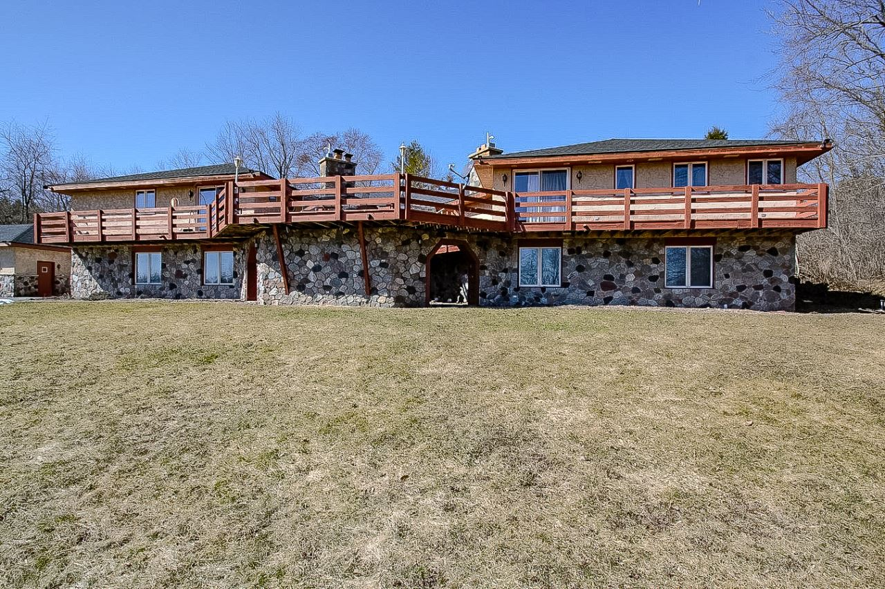 W252N4344 Sussex Rd, Pewaukee, WI 53072 - #: 1679995