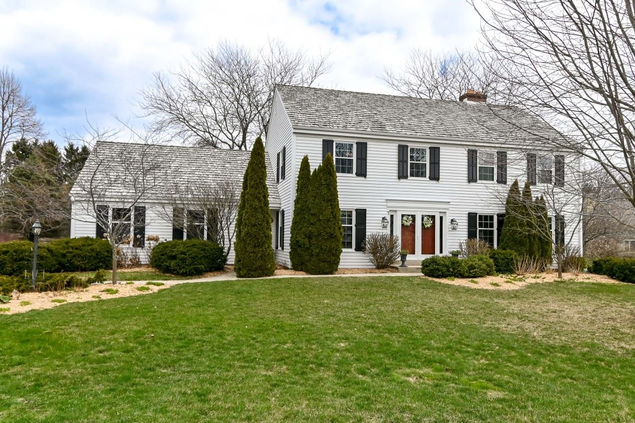 7 Sprucewood Ct, Wind Point, WI 53402 - #: 1684998