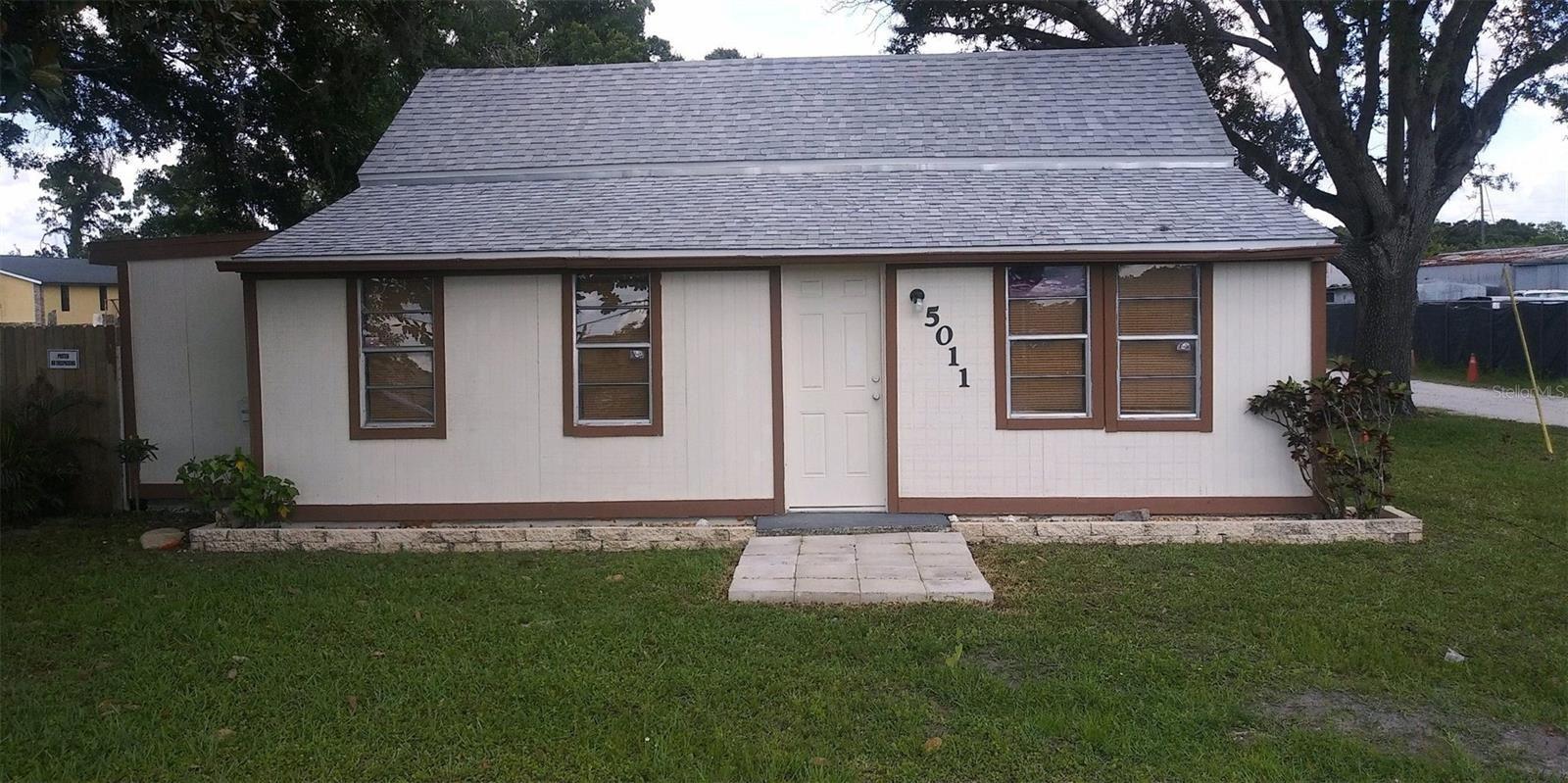 Photo of 5011 15TH STREET E, BRADENTON, FL 34203 (MLS # A4504005)