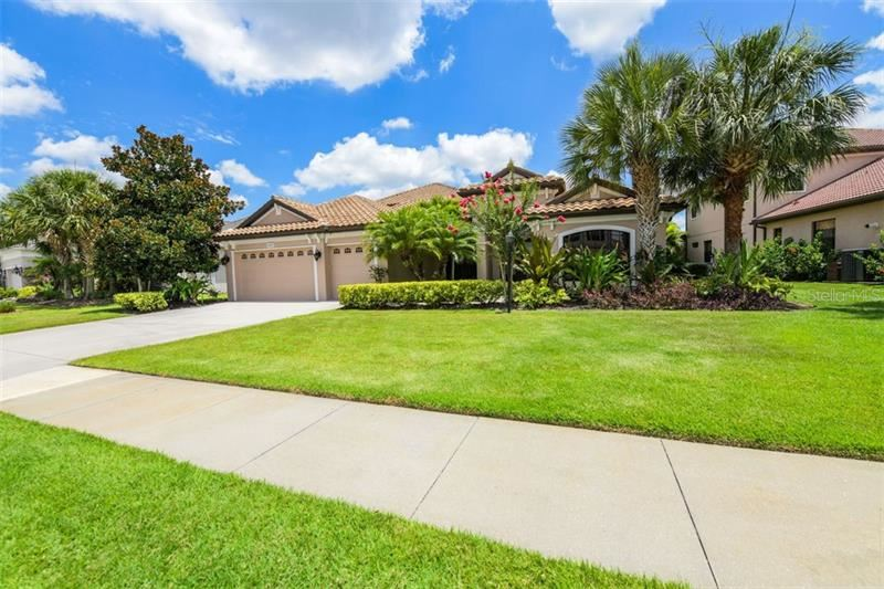 Photo of 14618 SUNDIAL PLACE, LAKEWOOD RANCH, FL 34202 (MLS # A4471007)