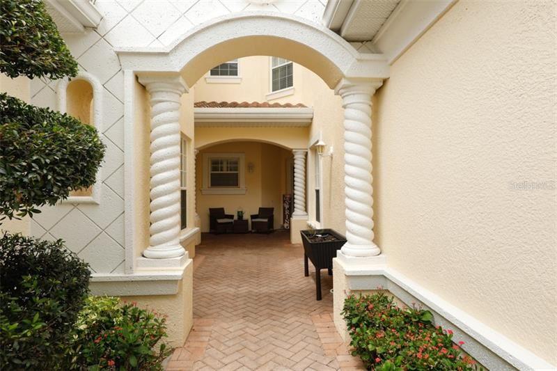 Photo of 604 TRIANO CIRCLE #604, VENICE, FL 34292 (MLS # N6110008)