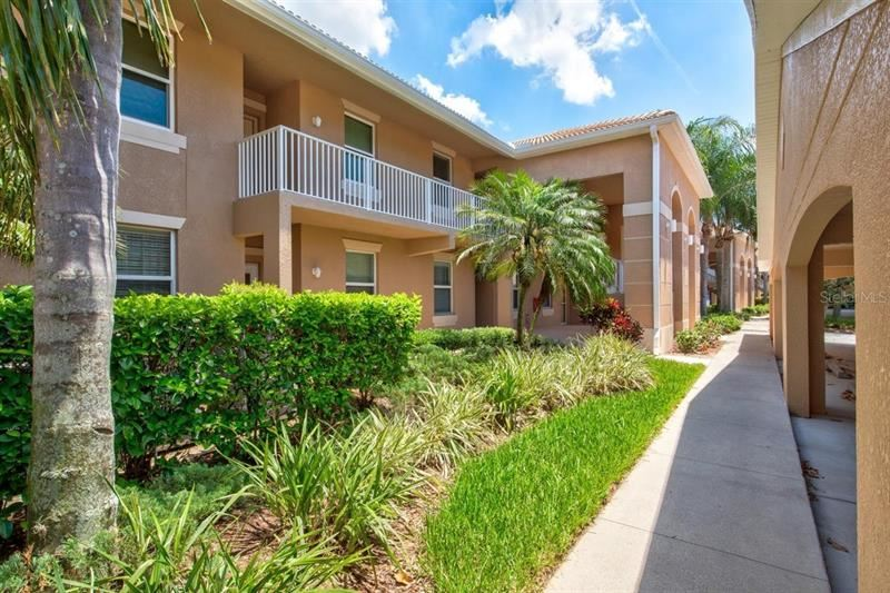 Photo of 905 FAIRWAYCOVE LANE #207, BRADENTON, FL 34212 (MLS # A4500009)