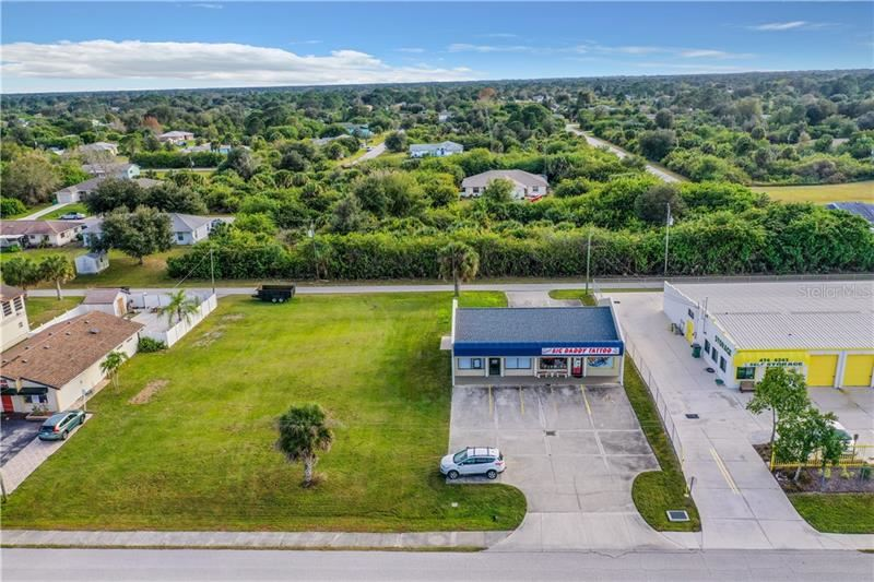 Photo of 3993 S ACCESS ROAD, ENGLEWOOD, FL 34224 (MLS # D6116012)
