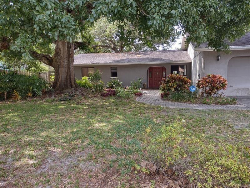 824 ALDERWOOD WAY, Sarasota, FL 34243 - MLS#: A4500015
