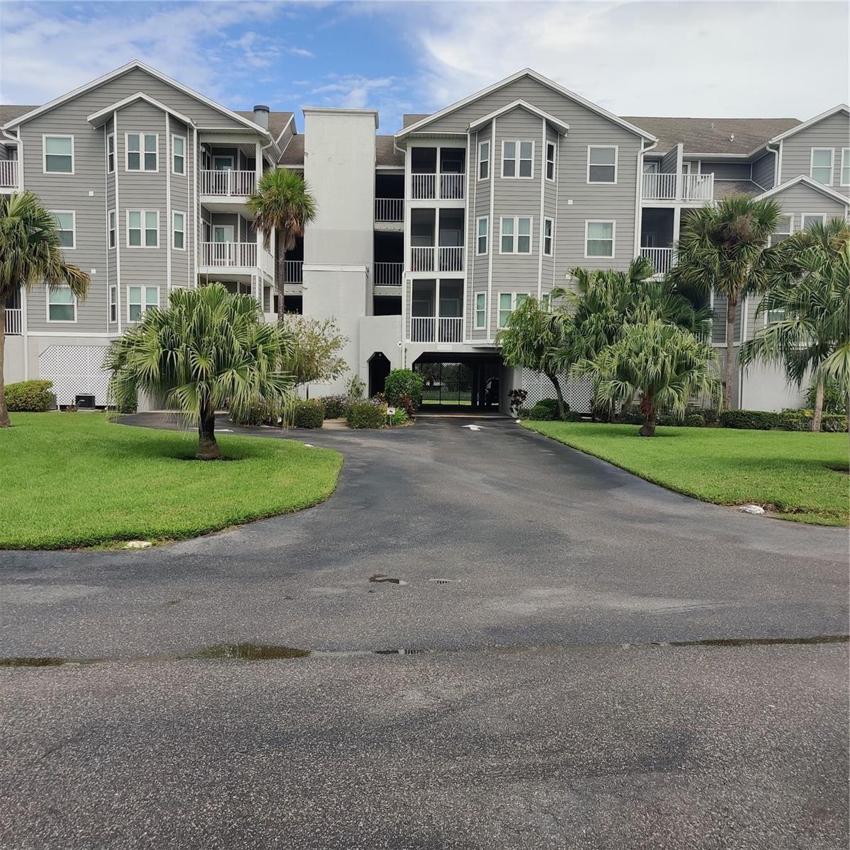 5727 BISCAYNE COURT #305, New Port Richey, FL 34652 - #: U8137019
