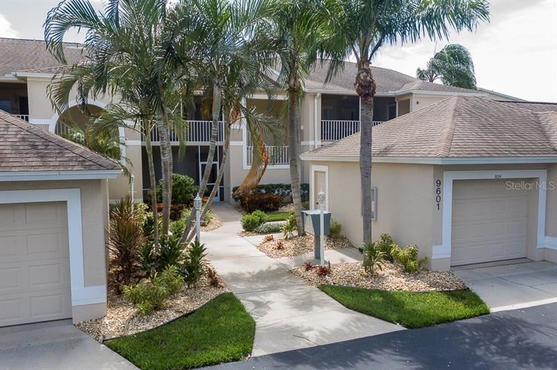 Photo of 9601 CASTLE POINT DRIVE #814, SARASOTA, FL 34238 (MLS # A4478021)