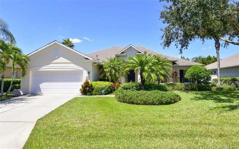 8230 PLANTERS KNOLL TERRACE, University Park, FL 34201 - #: A4477030