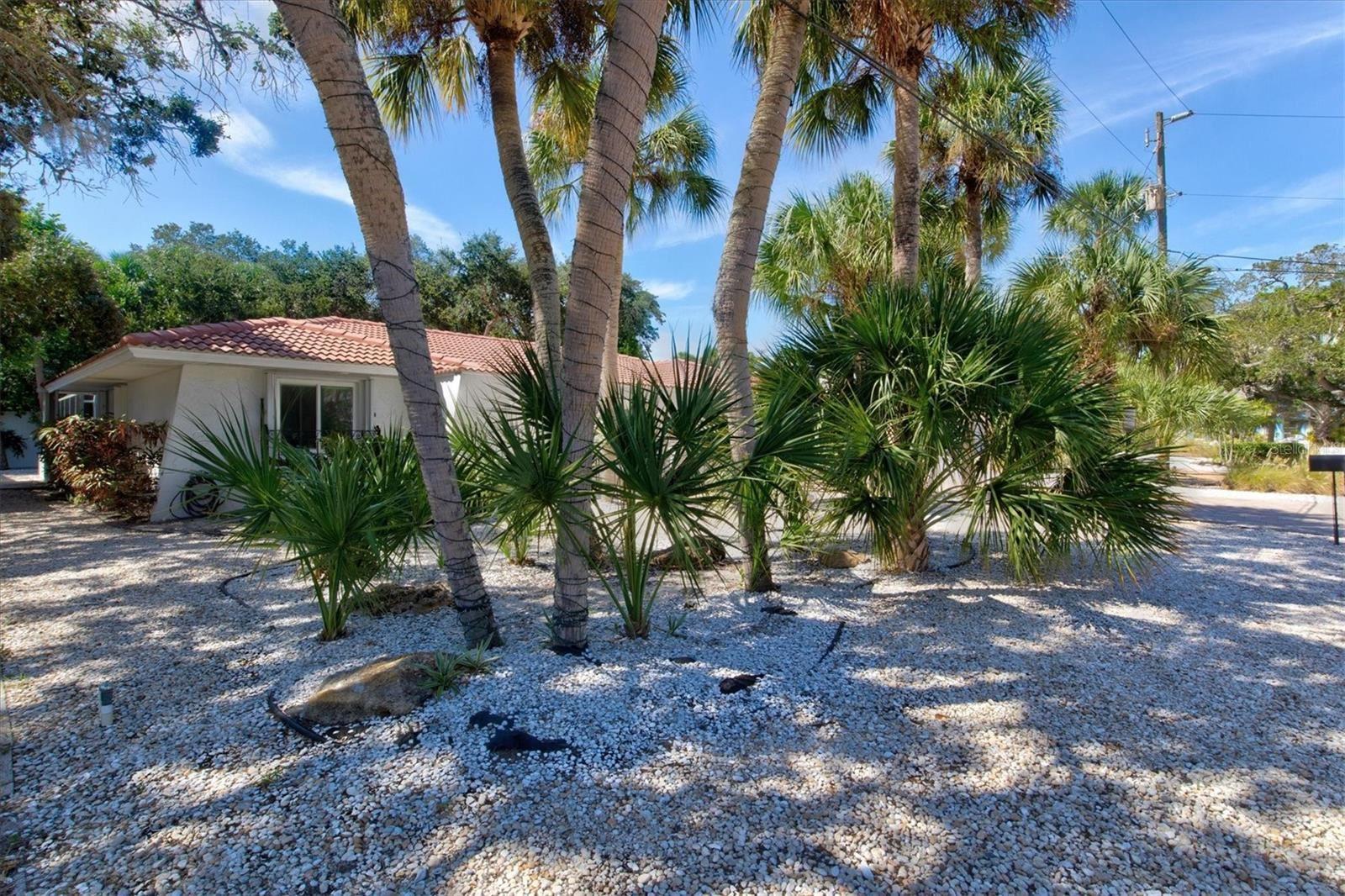 Photo of 726 BIRDSONG LANE, SARASOTA, FL 34242 (MLS # A4515030)