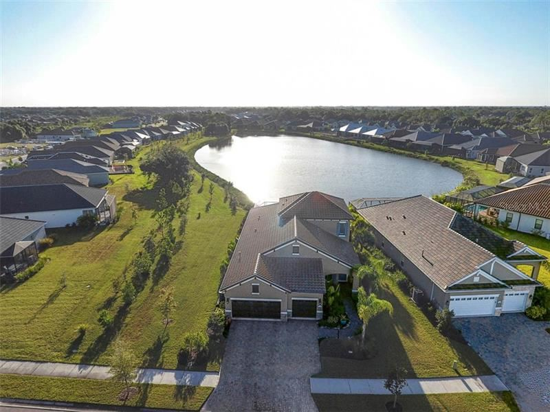 Photo of 11800 HUNTERS CREEK ROAD, VENICE, FL 34293 (MLS # A4474035)