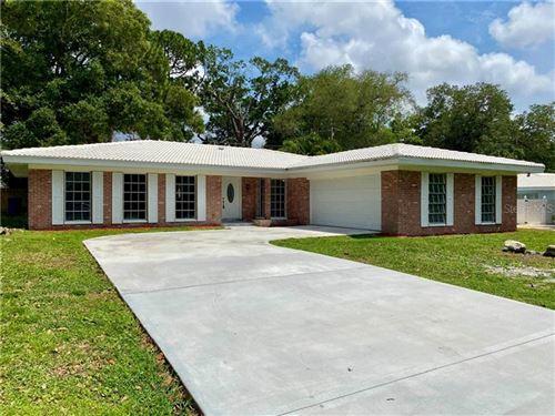 Photo of 1575 BELLEAIR LANE, CLEARWATER, FL 33764 (MLS # T3302038)