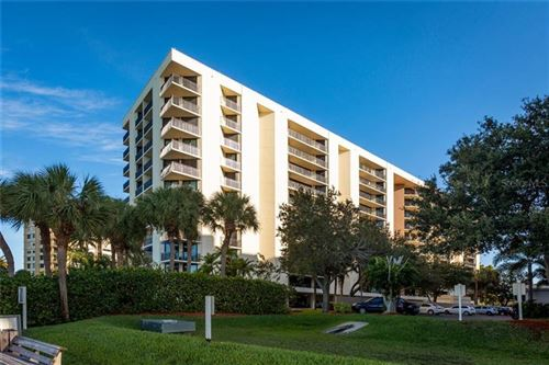 Photo of 690 ISLAND WAY #303, CLEARWATER BEACH, FL 33767 (MLS # U8106038)