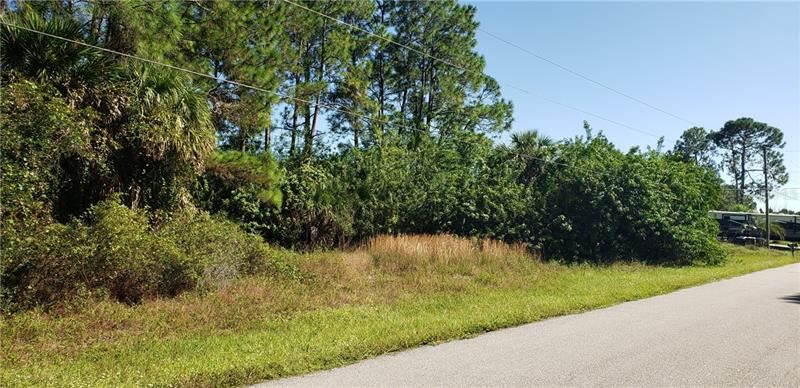 Photo of GRANDVIEW DRIVE, NORTH PORT, FL 34288 (MLS # A4482038)