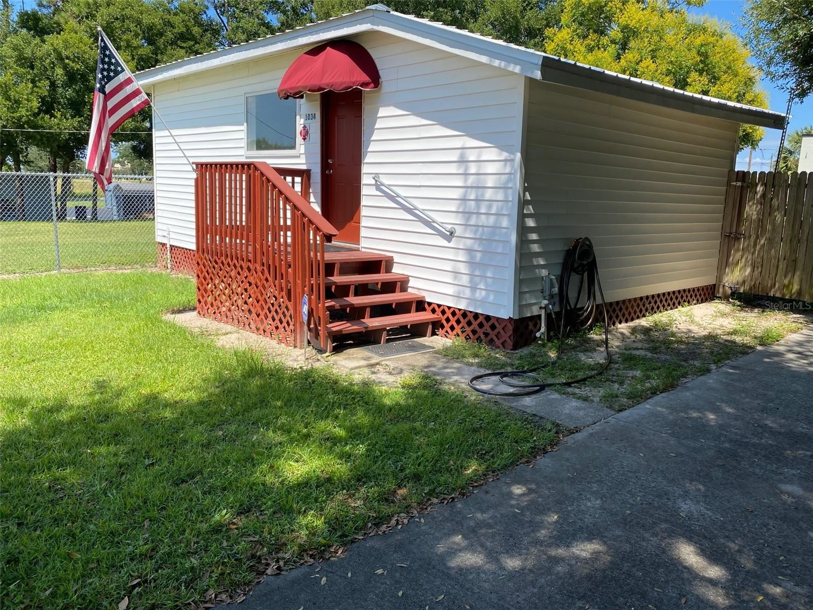Photo of 1034 W BROOME STREET, CLERMONT, FL 34711 (MLS # G5047040)