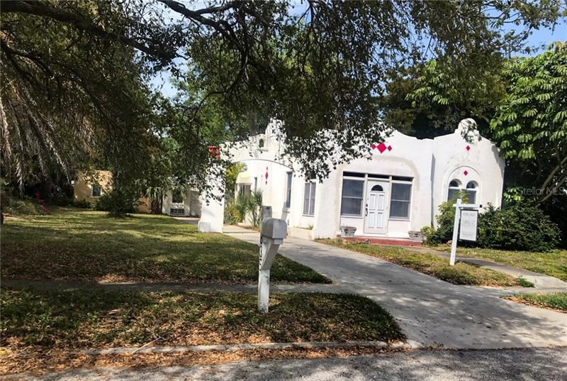 Photo of 1835 WISTERIA STREET, SARASOTA, FL 34239 (MLS # A4463041)