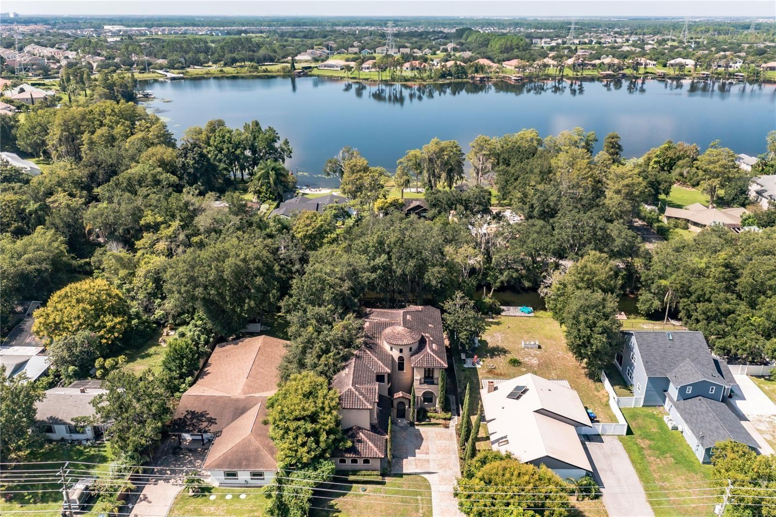 Photo of 6632 SAWYER SHORES LANE, WINDERMERE, FL 34786 (MLS # O5975042)