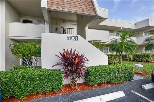 Photo of 7301 W COUNTRY CLUB DRIVE N #212, SARASOTA, FL 34243 (MLS # A4460046)