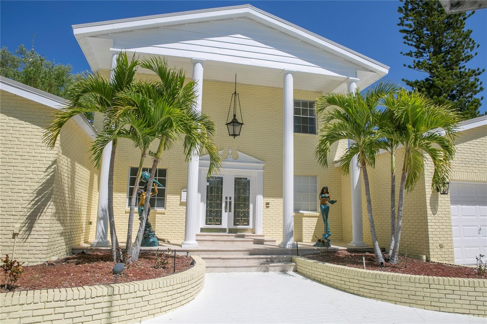 Photo of 154 LOOKOUT POINT DRIVE, OSPREY, FL 34229 (MLS # A4499046)
