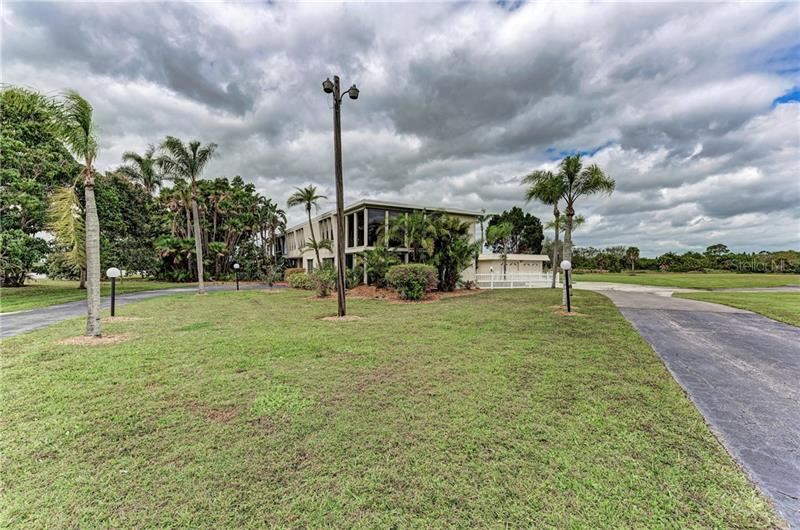 Photo of 5101 18TH AVENUE E, BRADENTON, FL 34208 (MLS # A4461048)